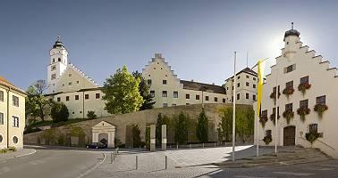 Fuggerschloss Babenhausen im Gegenlicht