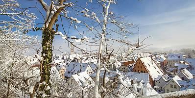 Stadtansicht im Winter von Biberach an der Riß vom Gigelberg au