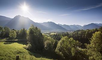 Oberstdorfer Alpenblick im Gegenlicht