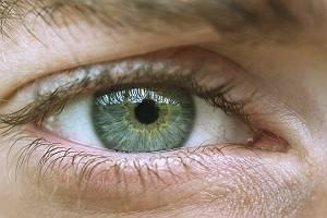 Blaugrünes Auge