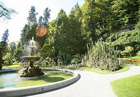 Gartenkulturpfad Überlingen mit Brunnen und Kakteengarten