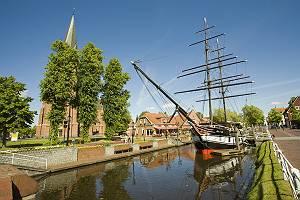 Friederike von Papenburg im Kanal