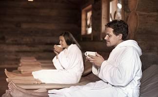 Tee-Time im Bademantel