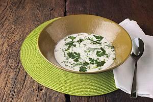 cremige Suppe mit Kräutern