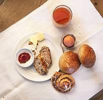 Kleines Frühstück mit Backwahren